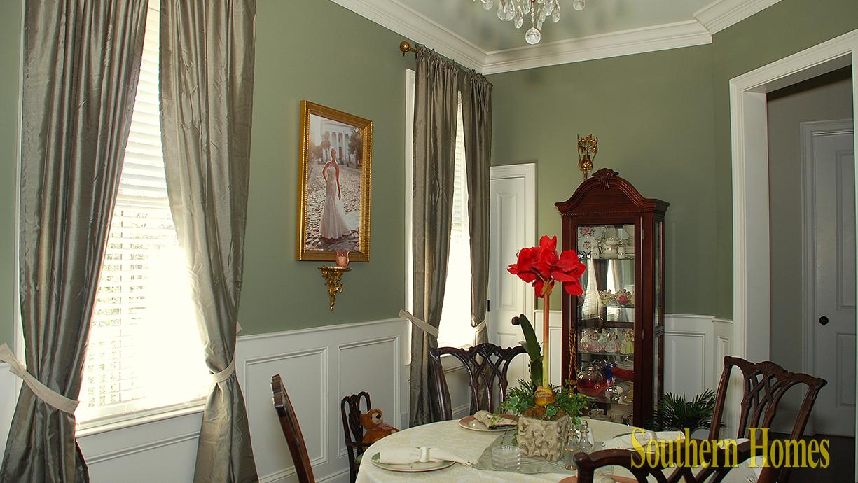 2924-Yachtsman-dining-room